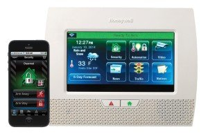 honeywell lynx touch L7000 with smartphone display
